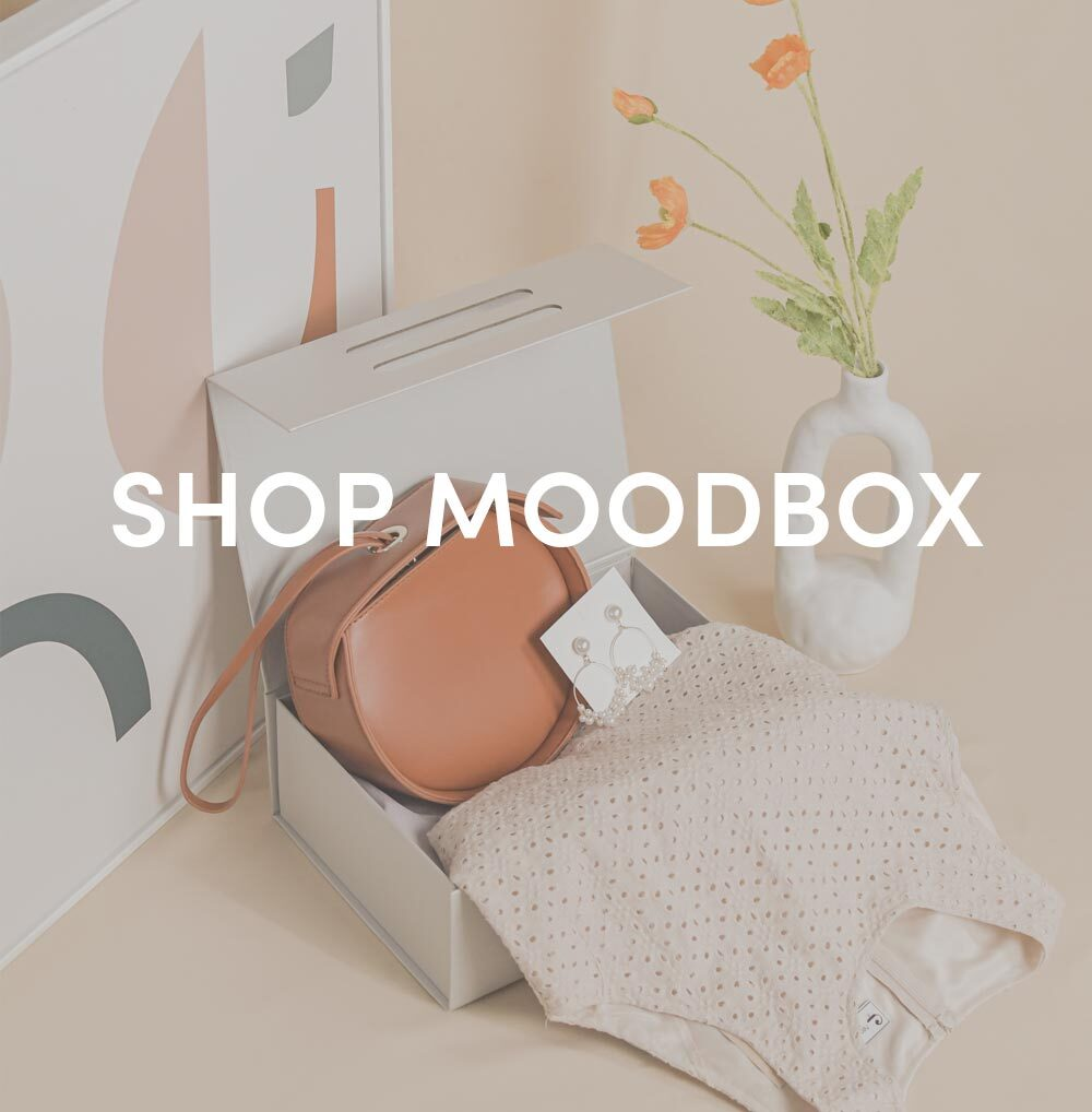 shop moodbox at her velvet vase