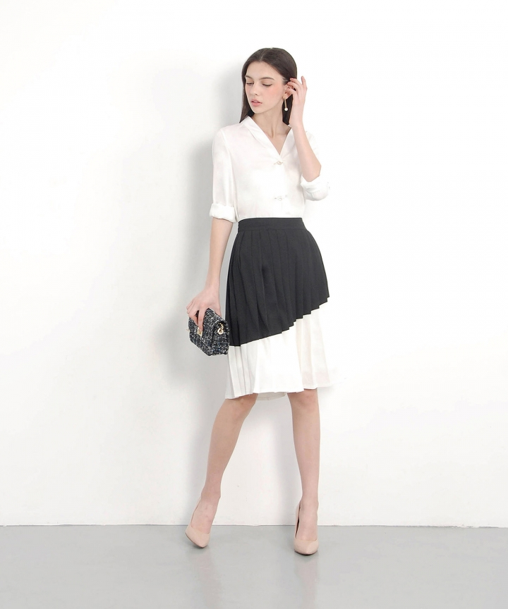 Gallery Contrast Pleat Skirt - Black