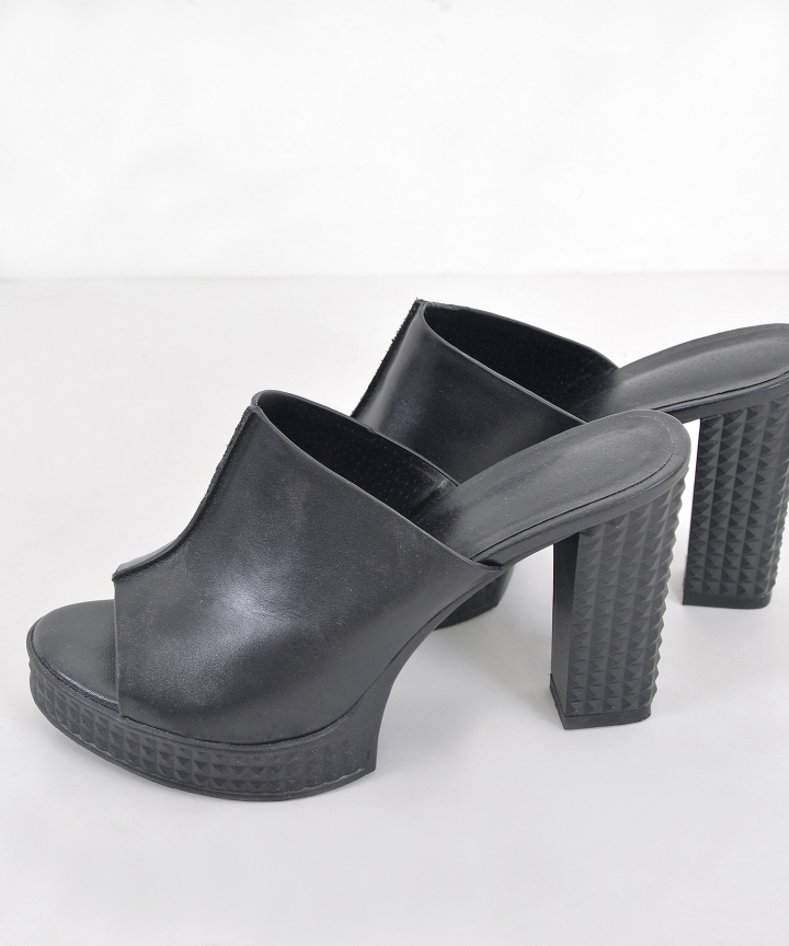 Aimee Platforms - Black