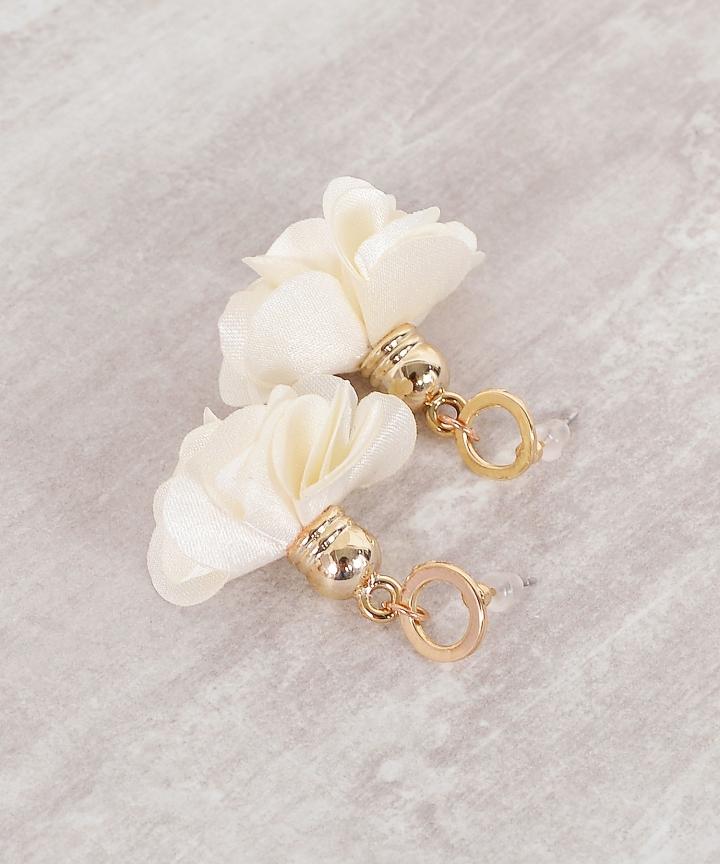 Primrose Stud Earrings - Cream