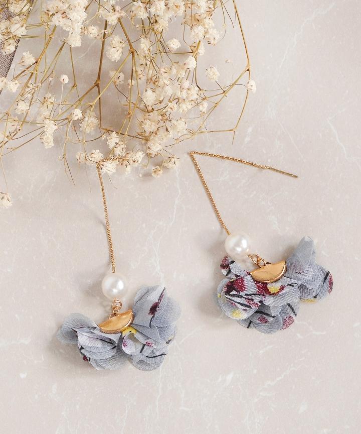 Duet Floral Pearl Earrings
