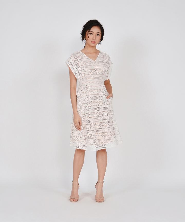 Primrose Lace Kimono Midi - White