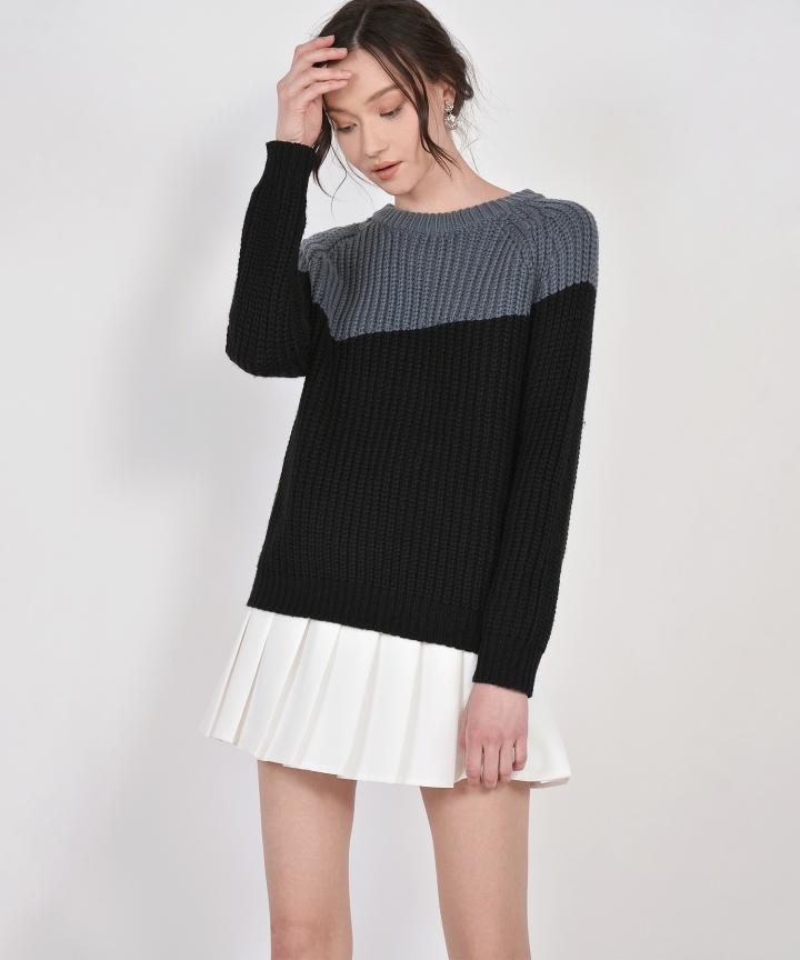 Perez Oversized Two-Tone Sweater - Black