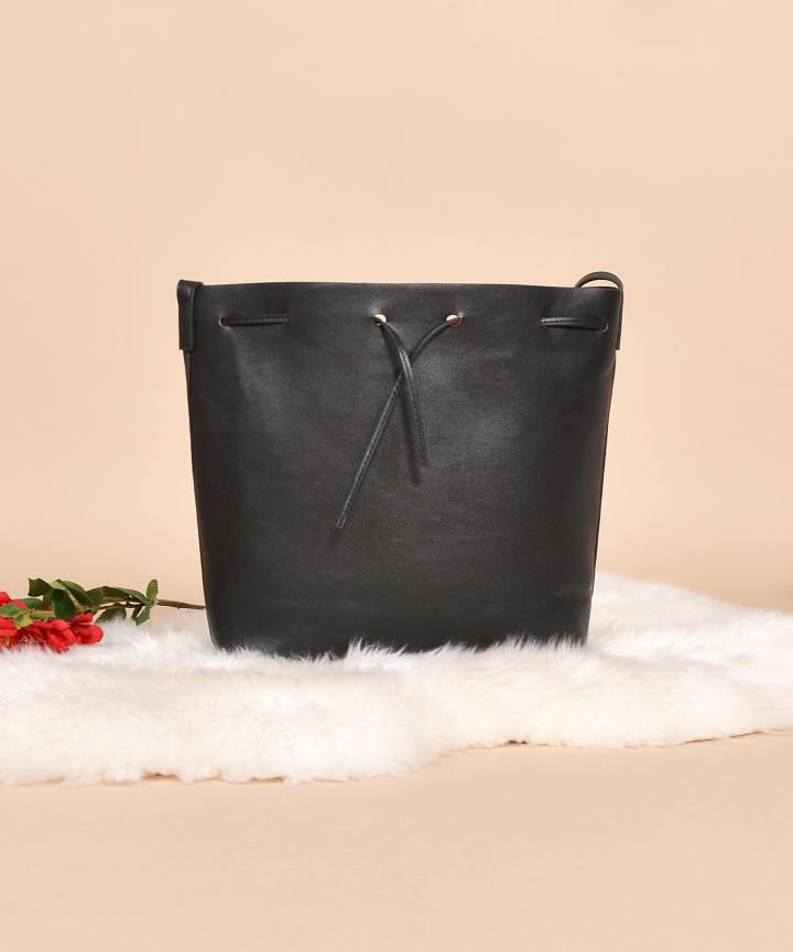Manuel Bucket Bag