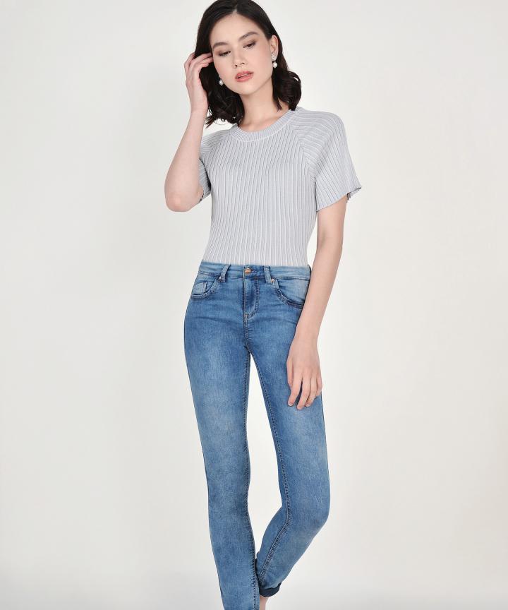 Amara Ribbed Knit Top - Pale Grey