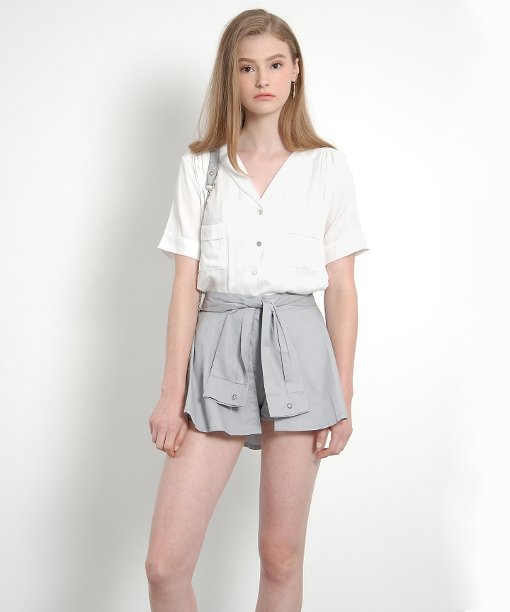Amber Classic Blouse (White)
