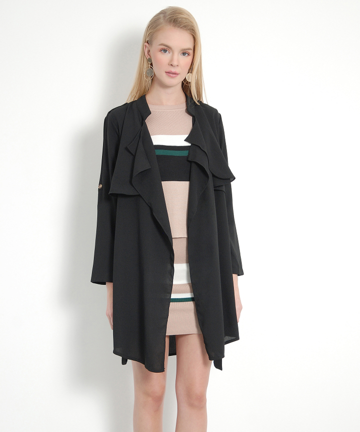 Cannes Cascade Outerwear - Black