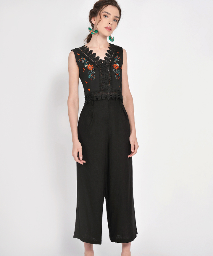 Amore Embroidered Top - Black