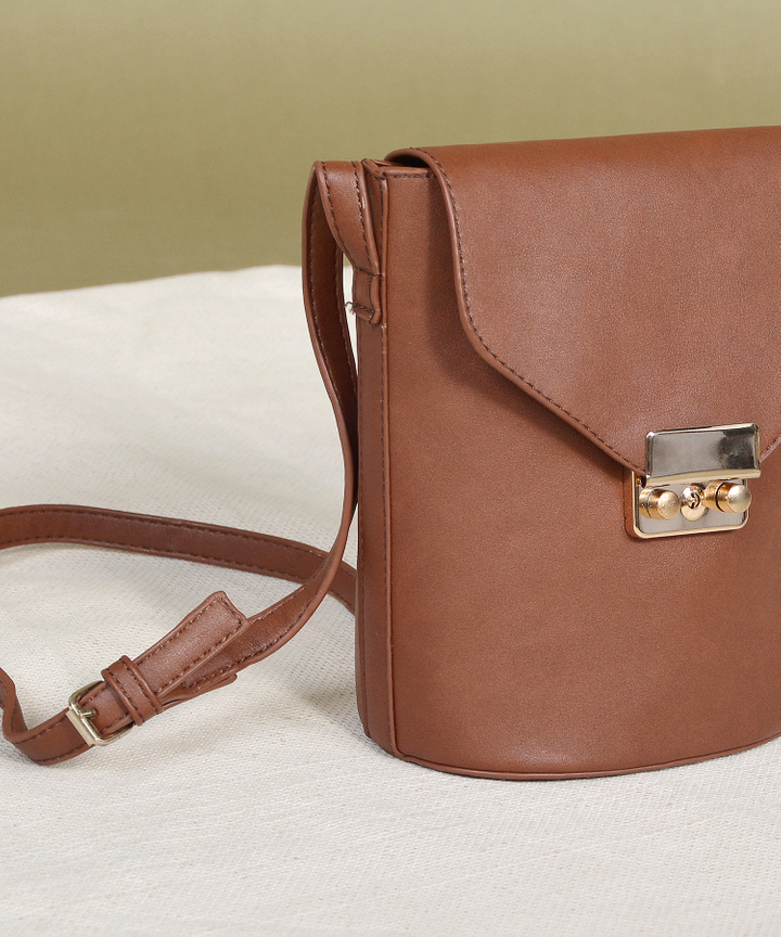 Archer Bucket Bag