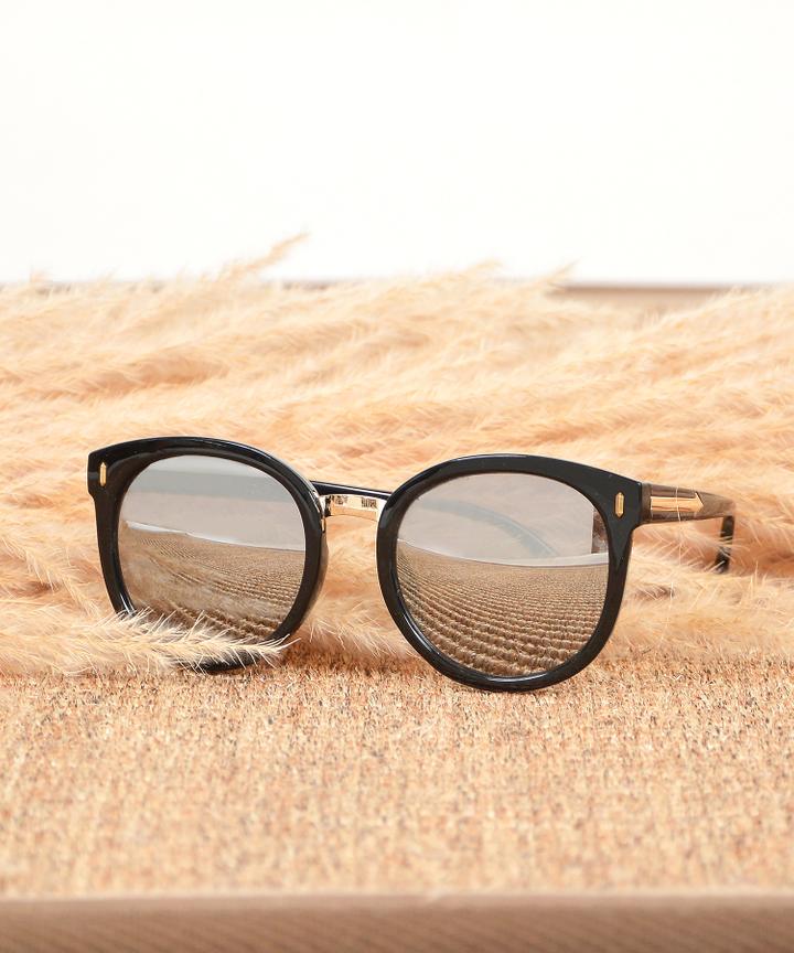 Monet Framed Sunglasses - Grey