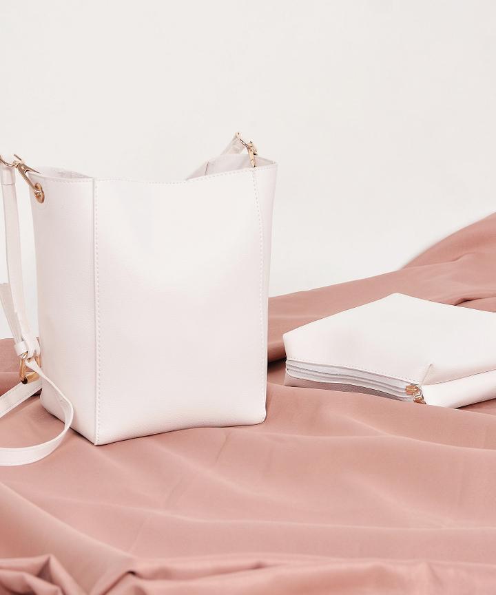 Avery Sling Bag - White