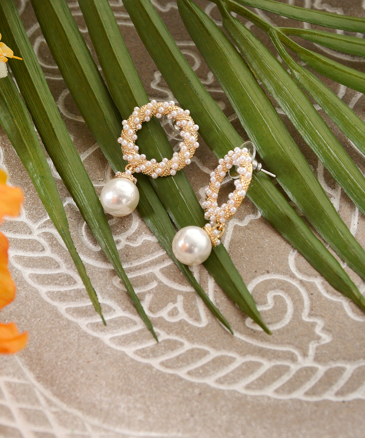 Owen Circle Pearl Earrings (Backorder)