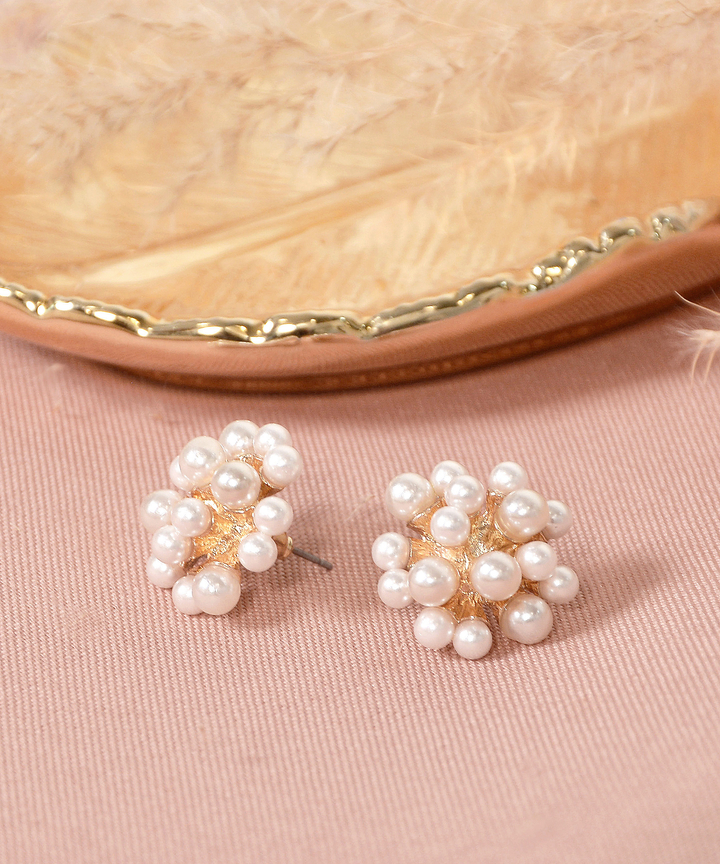 Ivanna Pearl Circle Earrings