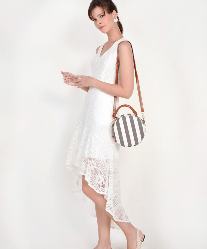 Genial Asymmetrical Lace Dress - White