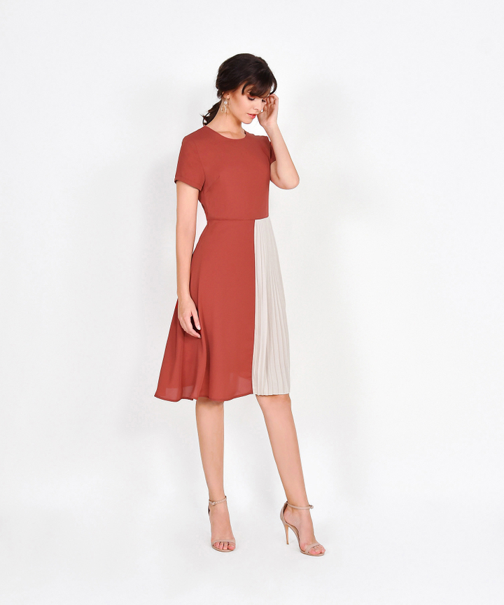 Leighton Colourblock Pleat Midi - Rust