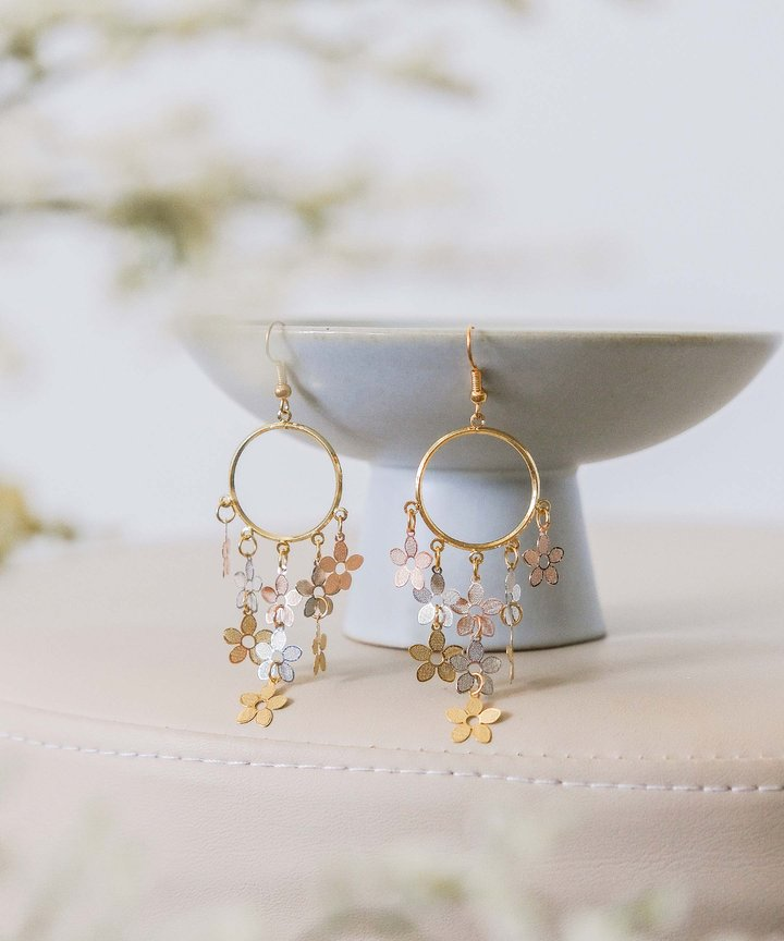 Pollen Cluster Drop Earrings