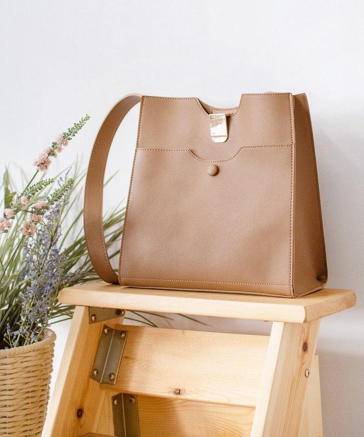 Spruce Shoulder Bag - Brown