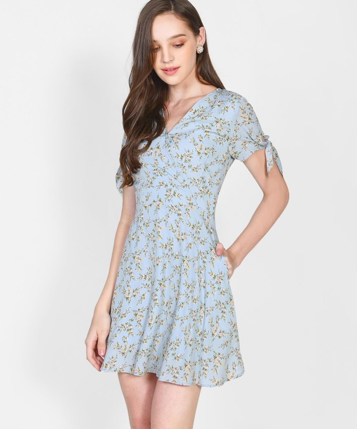 Maryn Floral Dress - Pale Blue