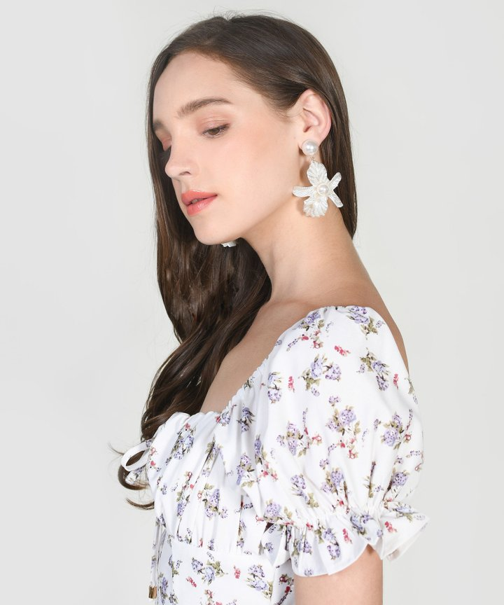 Jodi Floral Pearl Earrings
