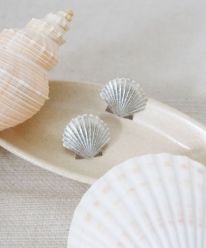 Seaside Seashell Statement Earrings - Silver