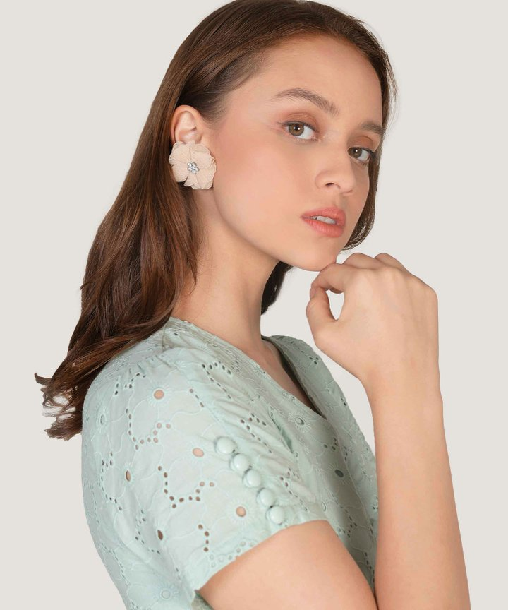 Horchata Floral Earrings