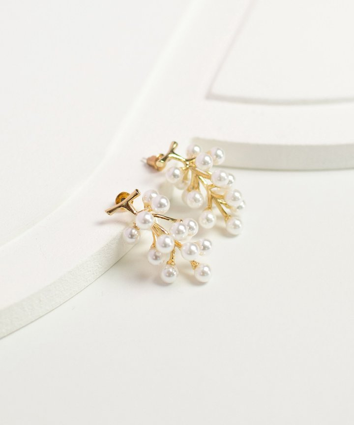 Muscat Pearl Earrings
