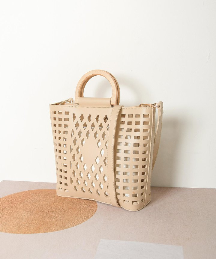 Capucines Lattice Top Handle Bag - Cereal
