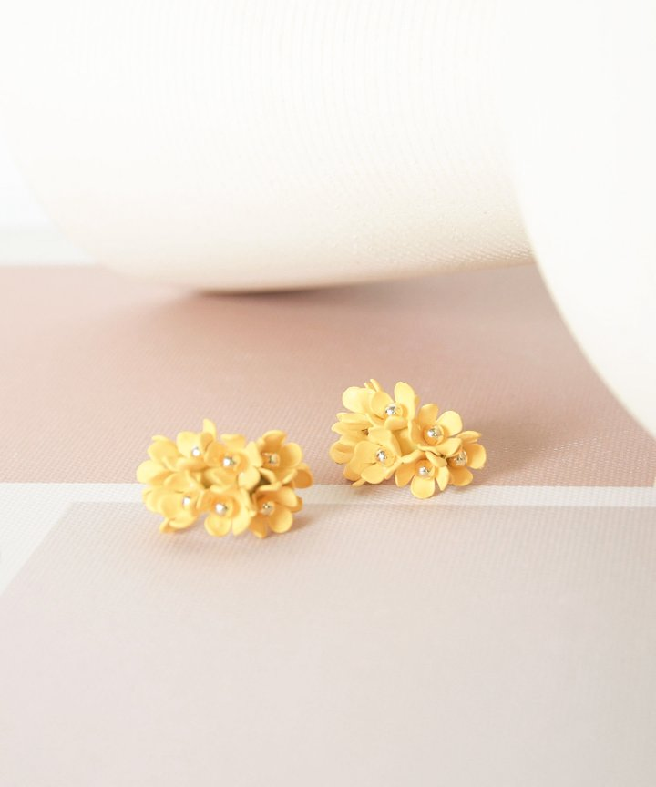 Wallflower Floral Earrings - Yellow (Backorder)