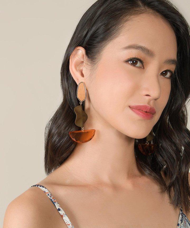 Markle Drop Earrings