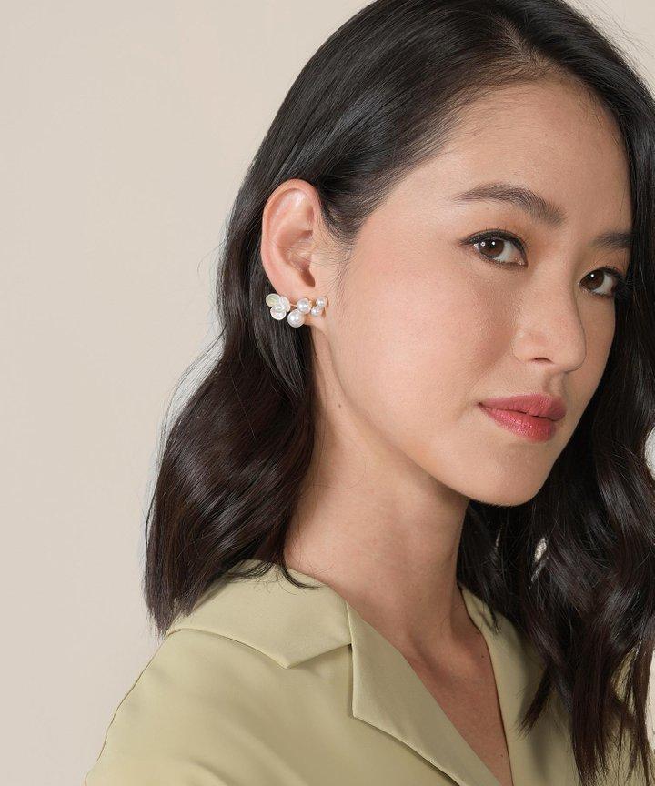 Tinkerbelle Floral Pearl Earrings