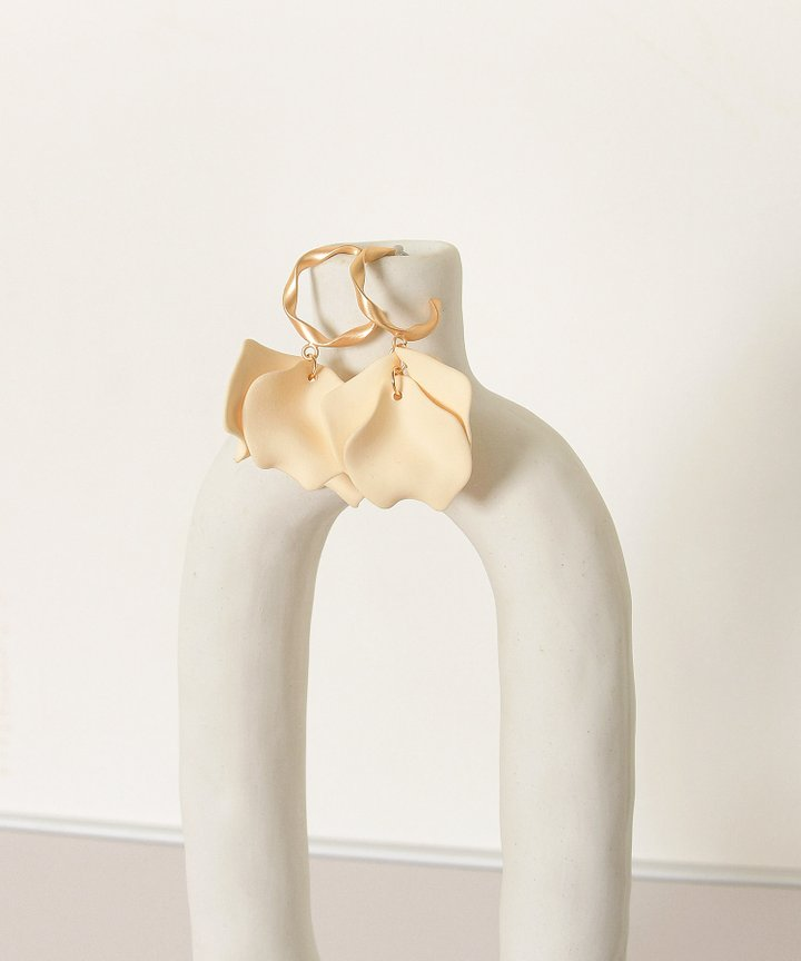 Vassar Petal Earrings - Cream (Backorder)