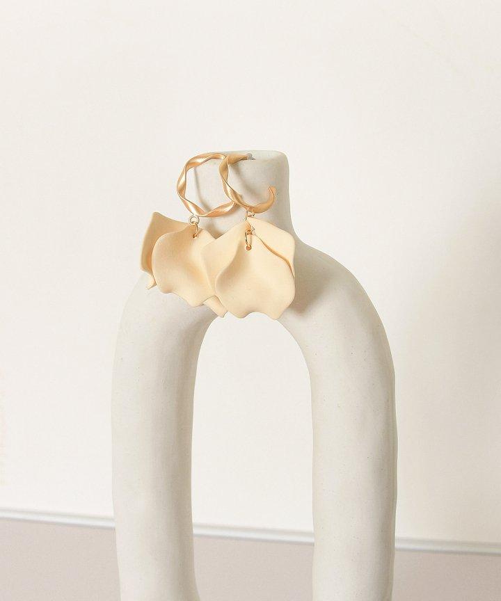 Vassar Petal Earrings - Cream (Restock)