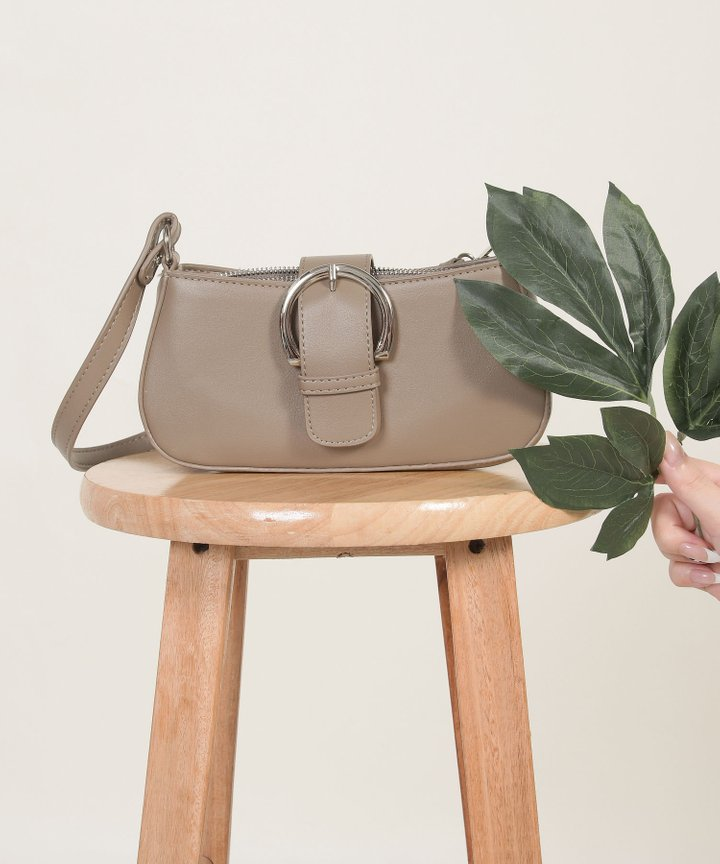 Castille Buckle Purse - Latte